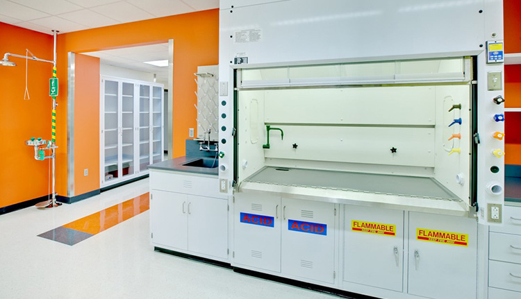 Laboratory Fume Hoods | Advanced Companies